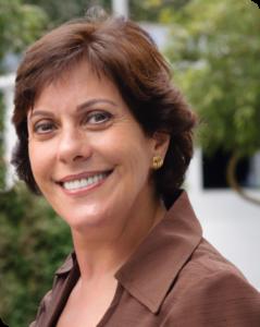Bartira Bravo, Especialista em Ginástica Facial.